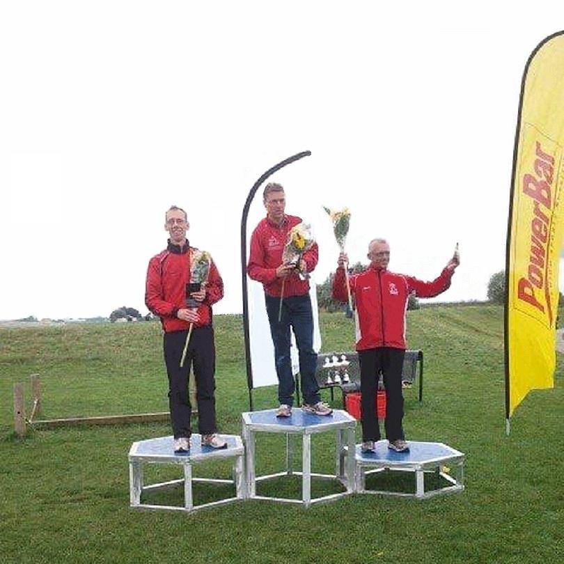 """2013 14 september 3e in de einduitslag van het puntenklassement van het Overijssels """"Step One"""" triatloncircuit"""